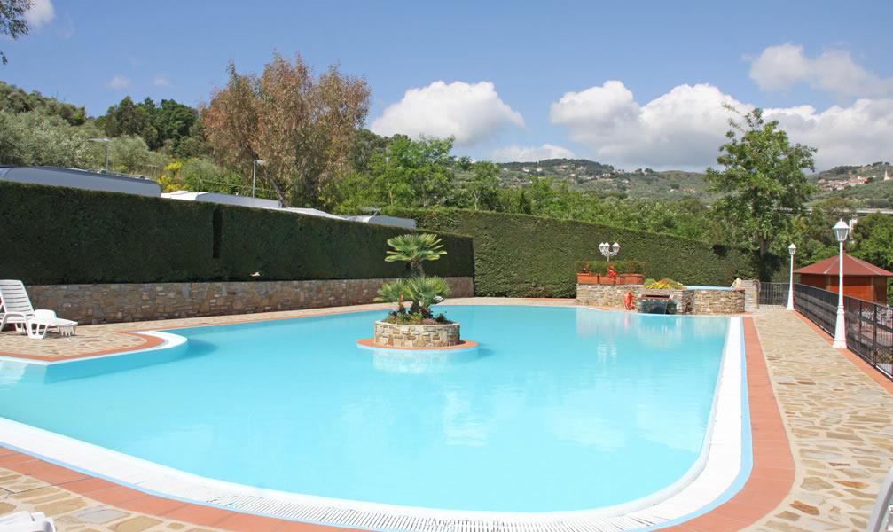 Diano marina campeggio con piscina riviera dei fiori camping piscina liguria campeggi riviera - Camping con piscina ...